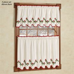 Holly Wreath Tier and Valance Set Ivory