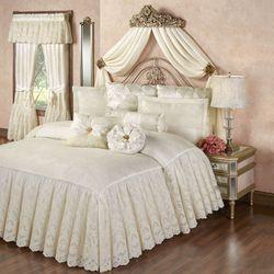 Cameo Lace Grande Bedspread Pearl