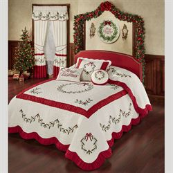 Holly Wreath Grande Bedspread Ivory
