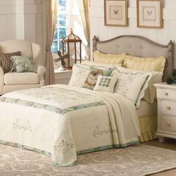 Vintage Treasure Bedspread Light Cream