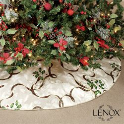 Holiday Nouveau II Tree Skirt Ivory
