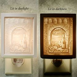Fruit of the Vine Nightlight Light Cream