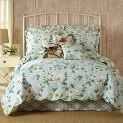 Blooming Magnolia Quilt Light Blue