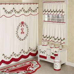 Holly Wreath Holiday Shower Curtain Ivory 72 x 72
