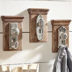 Petal Doorknob Wall Hook Brown