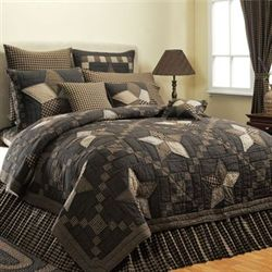 Farmhouse Star Quilt Set Black