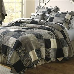 Paris Patch Quilt Black