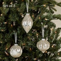 Vintage Bauble Ornaments White Three Piece Set