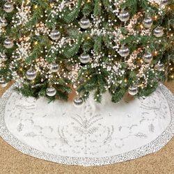 Glistening White Tree Skirt White/Silver