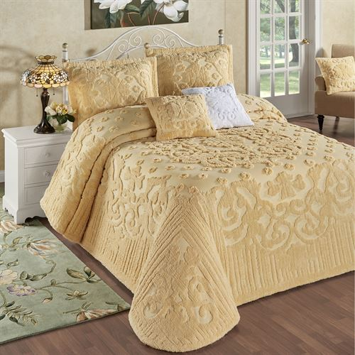 Laurent Grande Bedspread Set Buttercup