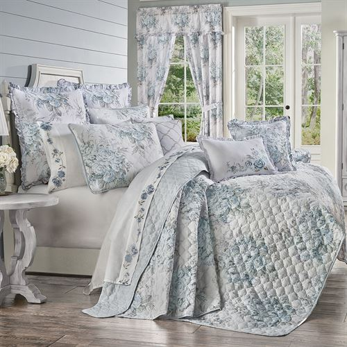 Estelle Floral Mini Quilt Set Pale Blue