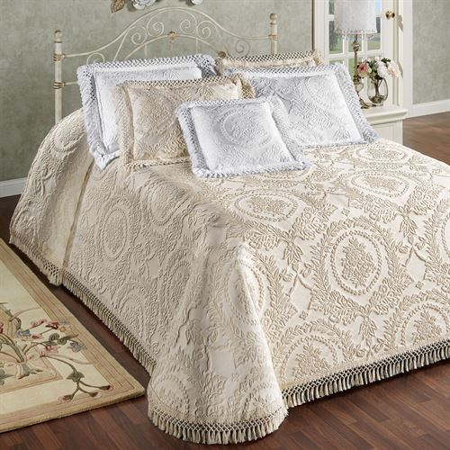 Timeless Grande Bedspread