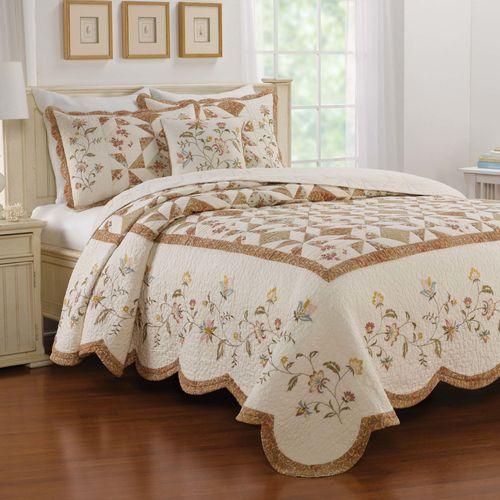Caroline Bedspread Ivory