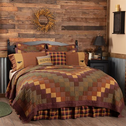 Heritage Farms Patchwork Mini Quilt Set Multi Warm