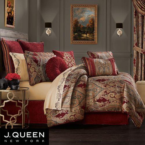 Garnet Comforter Set