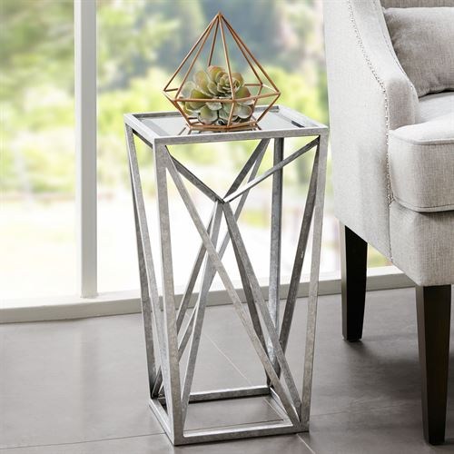 Zee Angular Accent Table