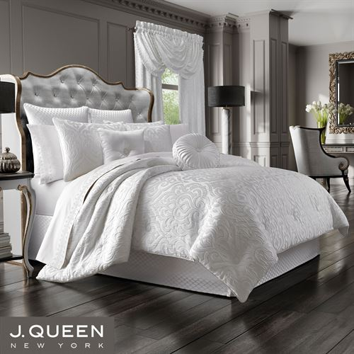 Astoria Damask Scroll Comforter Set Off White