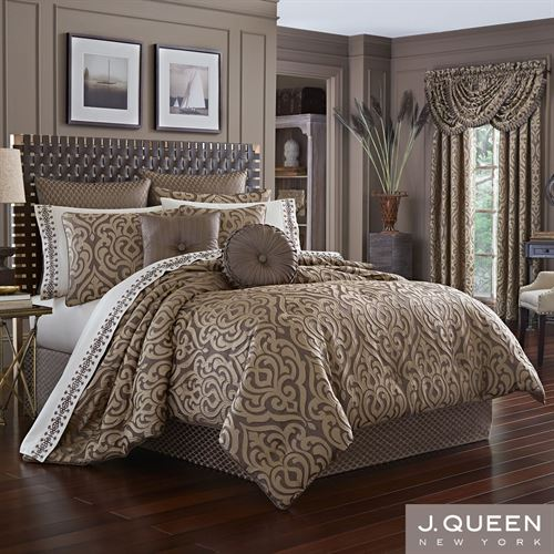 Astoria Scroll Damask Comforter Set Coffee