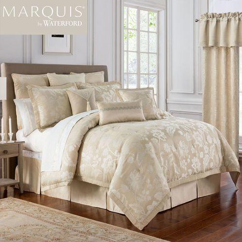 Emilia Comforter Set Straw