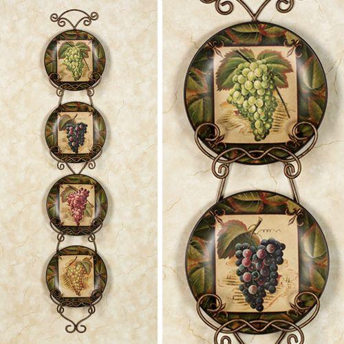 Les Vins Plate Set  Set of Four
