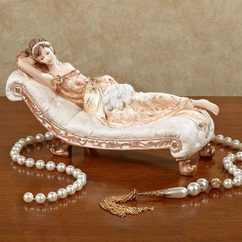 Belle Dame Figurine Apricot