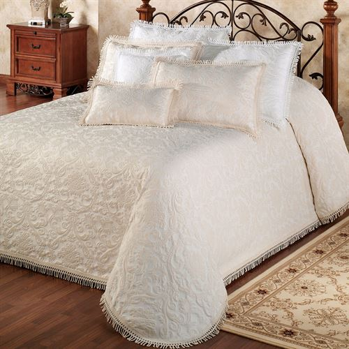 Rocco Medallion Woven Matelasse Oversized Bedspreads