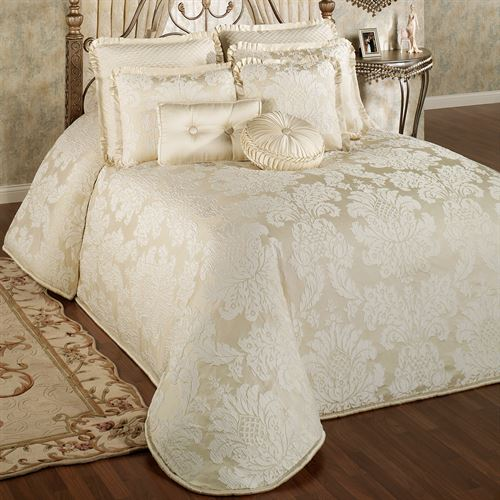Bedroom Sets Clearance Free Shipping: Classique Damask Oversized Bedspread Bedding