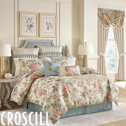 Carlotta Comforter Set Light Almond