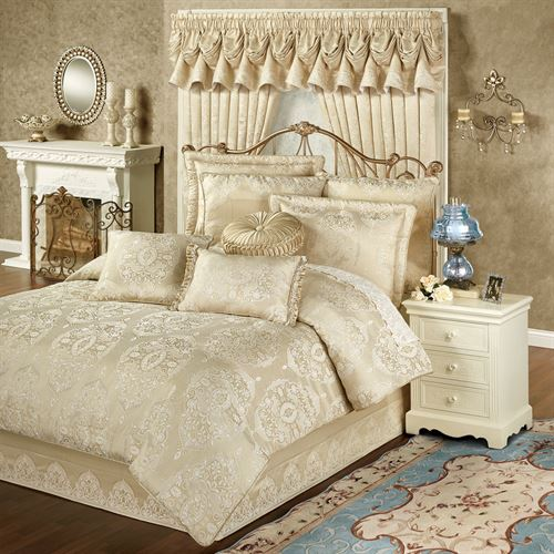 Francesca Comforter Set Light Gold