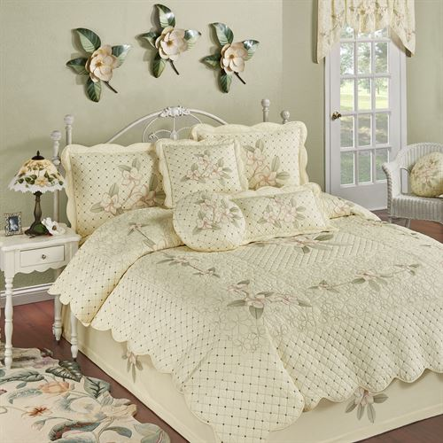 Southern Belle Quilt Set Butter