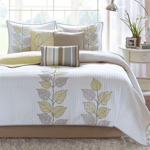 Caelie Coverlet Bed Set Pale Yellow