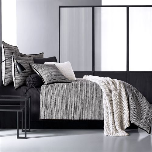 Flen Comforter Set Black