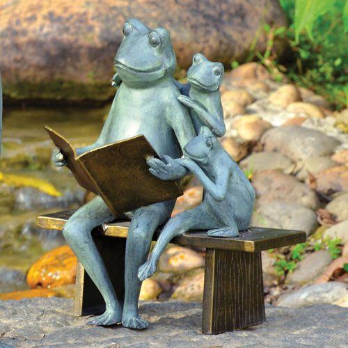 Frog Family Storytime Sculpture Verdi Gold