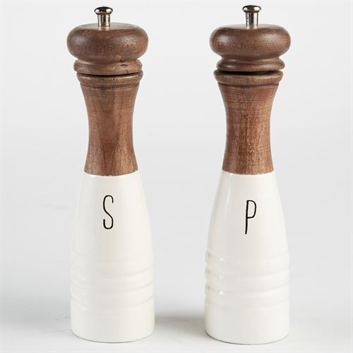 Salt and Pepper Mills Brown Set of Two
