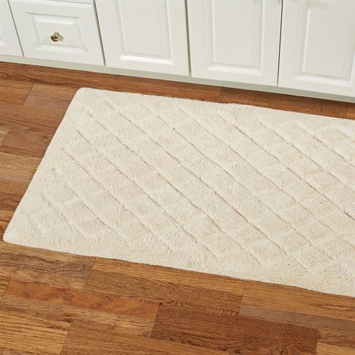 Splendor 45 Inch Wide Plush Bath Rug