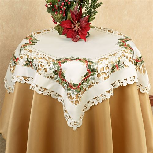 Holiday Wreath Table Topper Cream 36 Square