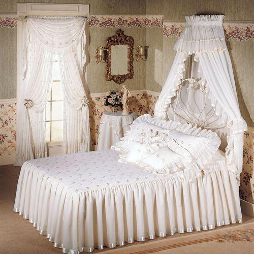 La Fleur Bedspread