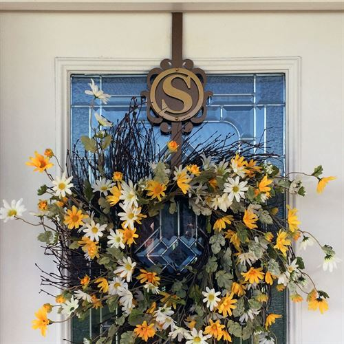 Overture Monogram Wreath Hanger Gold/Bronze