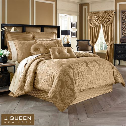 Concord Puff Jacquard Damask Harvest Gold Comforter