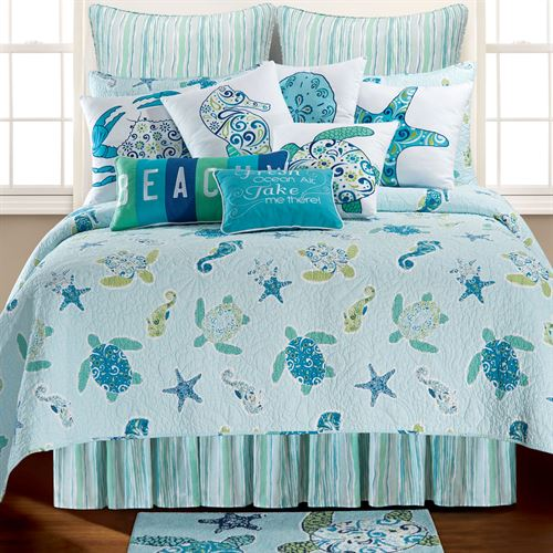 Imperial Coast Quilt Light Blue
