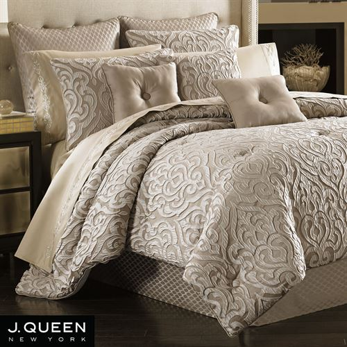 Astoria Scroll Comforter Set Sand