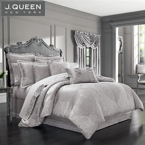 La Scala Medallion Comforter Set Silver