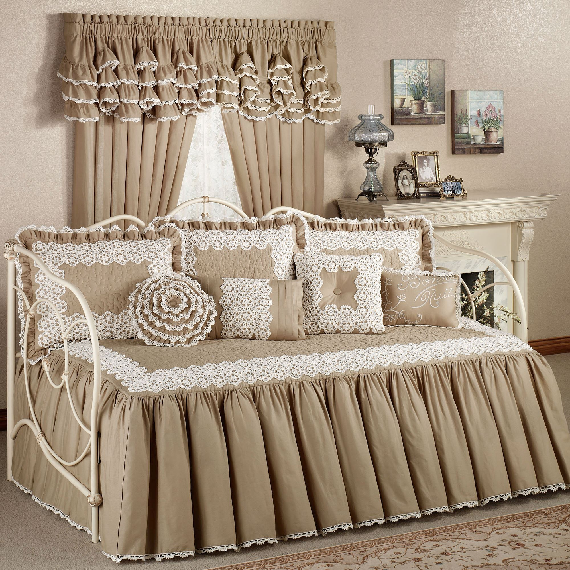 high chic of beautiful elegant shabby daybeds trundle sets kids boys bed daybed bedding with