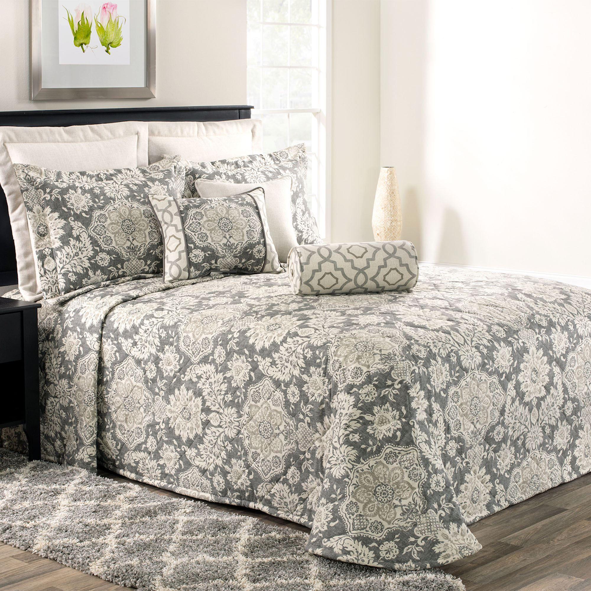 Baymont Medallion Dark Gray Quilted Bedspread Bedding