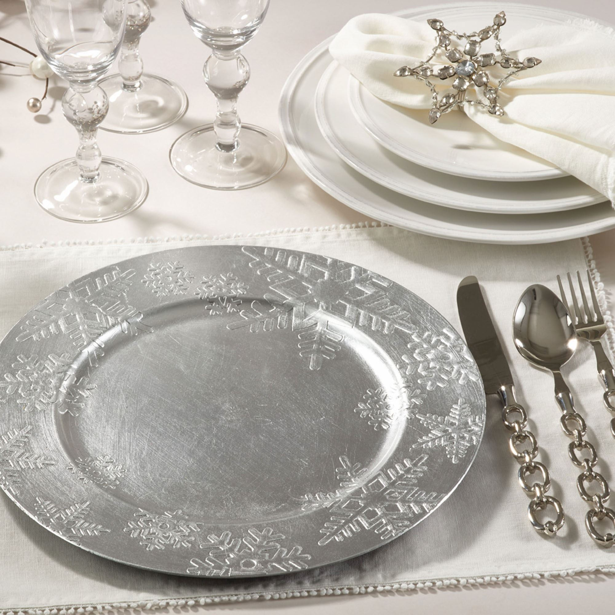 Snowflake Silver Decorative Charger Plate Set Of 4