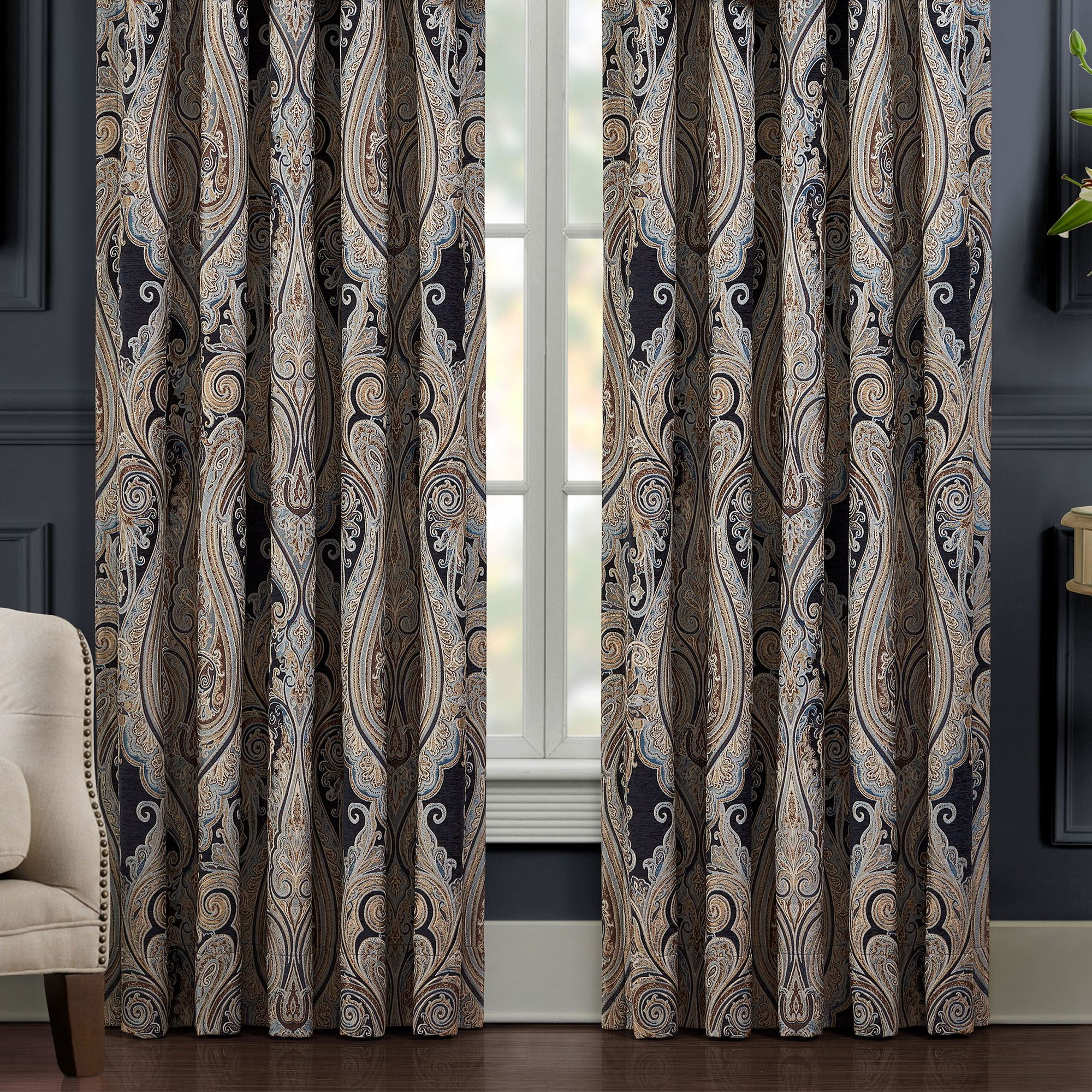 Luciana Ii Damask Lined Window