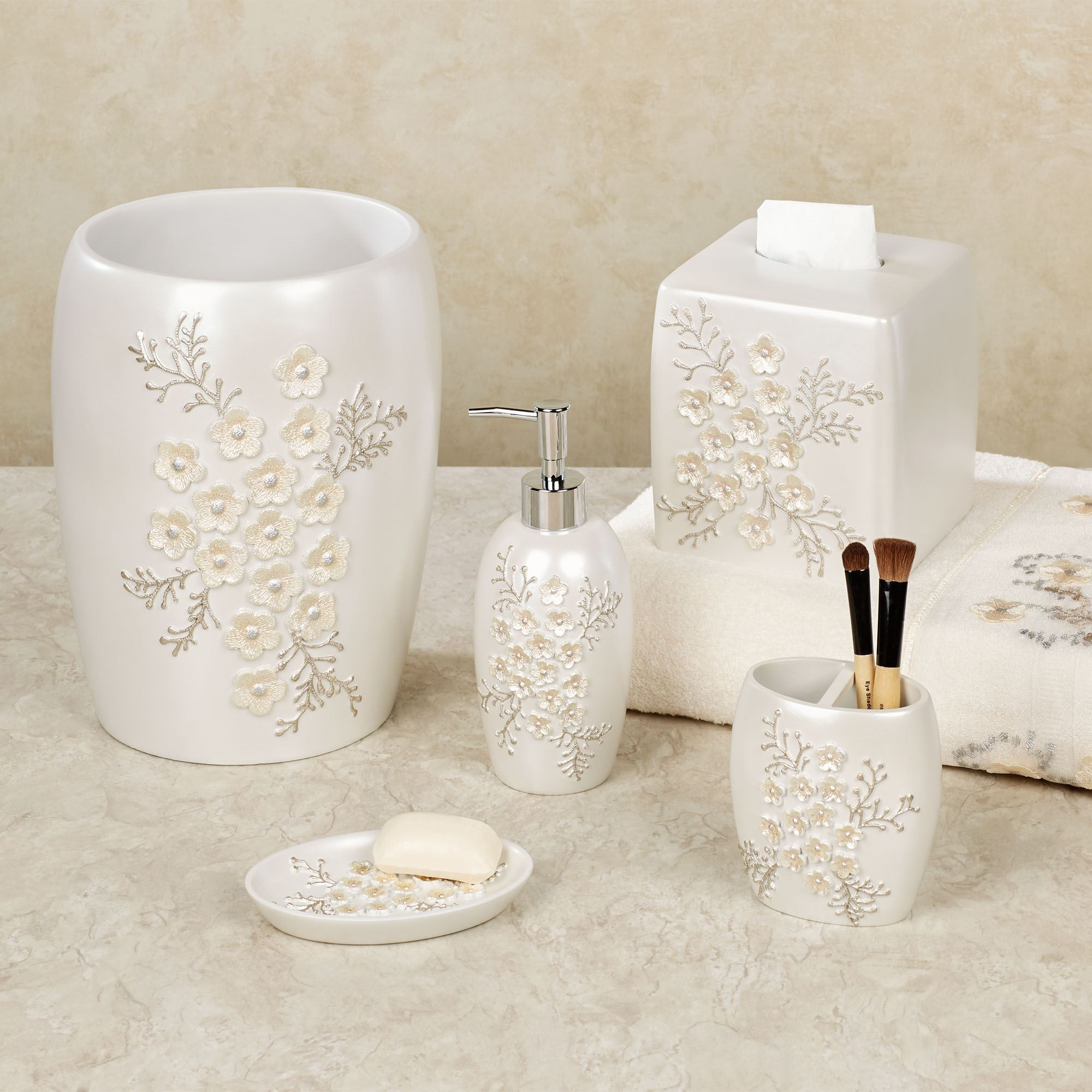 Bloomfield Floral Bath Accessories