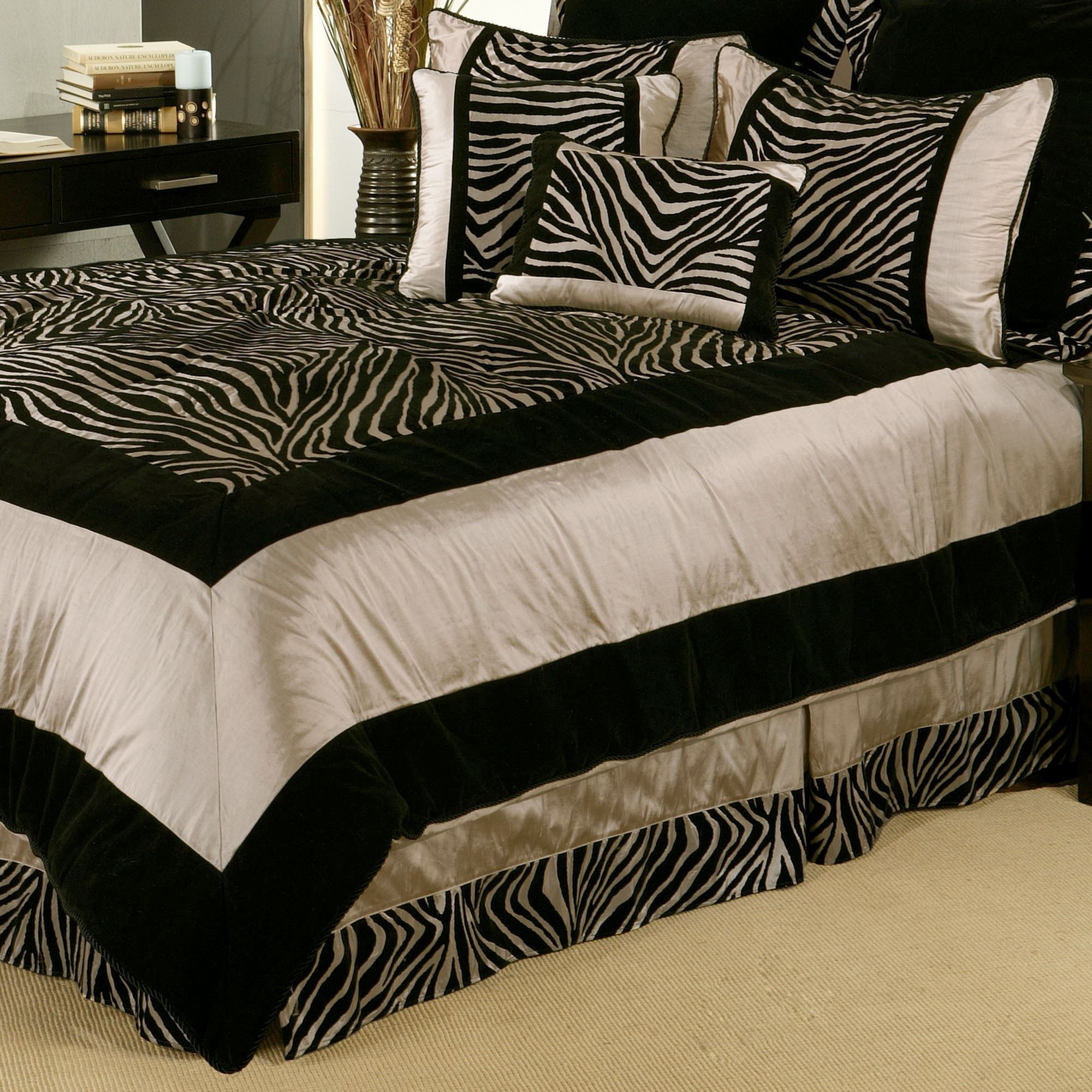Zuma Comforter Bed Set. Touch To Zoom