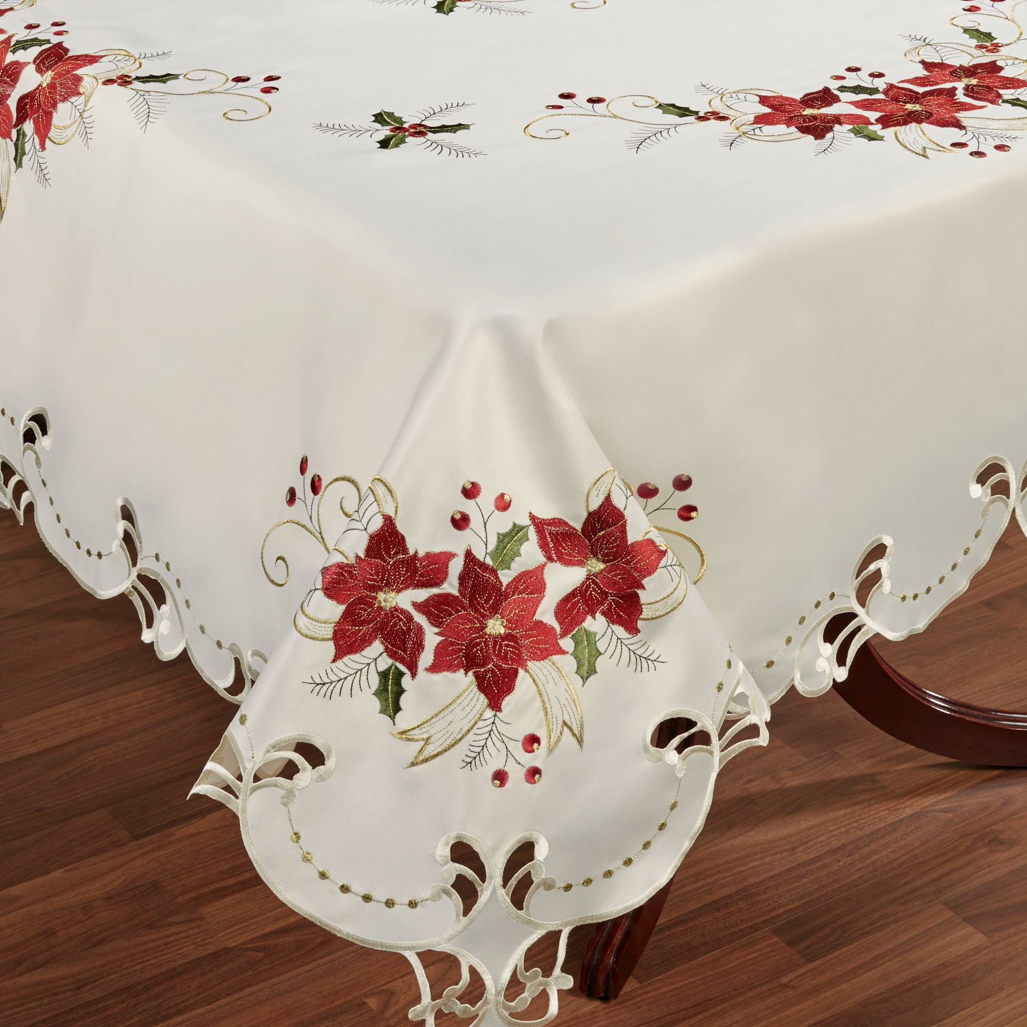 Charmant Poinsettia Palace Tablecloth Champagne