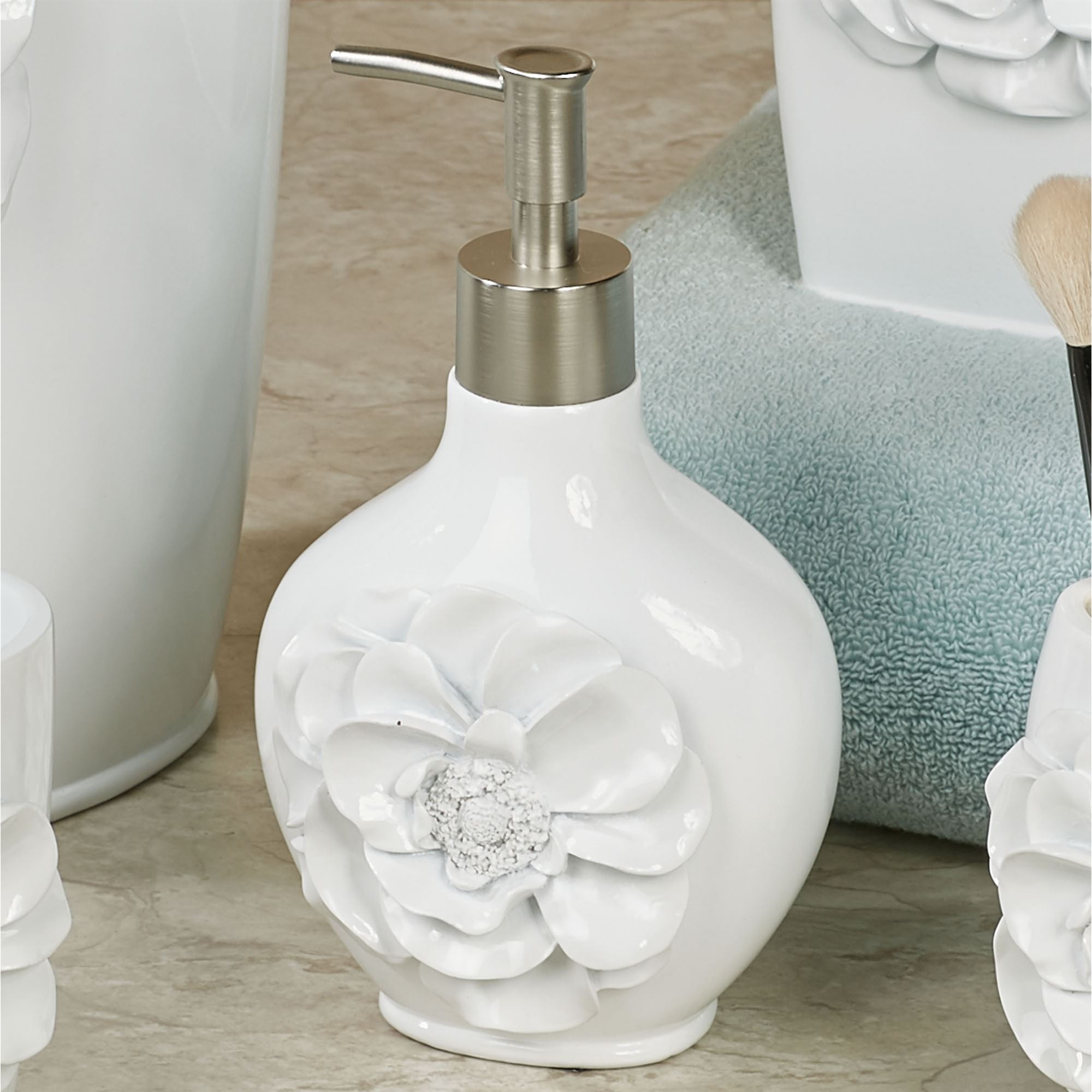 Dkny Mixed Media Accent Lotion Dispenser: Keila Rose Off White Sculpted Floral Bath Accessories